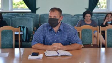 Photo of Сесію Ніжинради перенесли через конфлікт: Гомоляко каже, що не винен