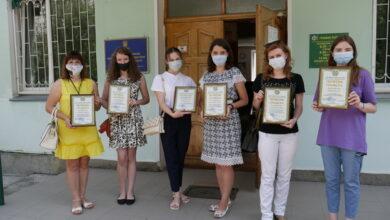 "Photo of Учениця з Ніжина сказала ""ні!"" «зарплатам у конвертах»"