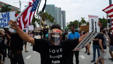 Photo of Протести у США: в Портленді феєрверки і коктейлі Молотова, поліція відправляє посилення