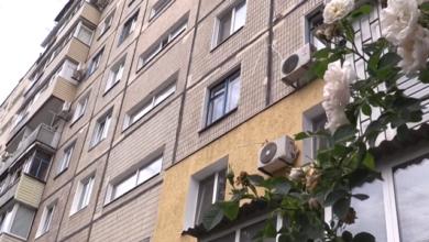 Photo of У Бердичеві біля п'ятиповерхівки знайшли напівживого чоловіка