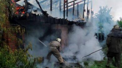 Photo of Удар блискавки знищив будівлю під Києвом