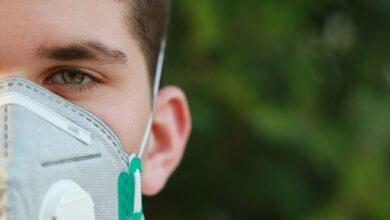 Photo of Киянин просить суд зобов'язати Кабмін забезпечити його безкоштовними масками