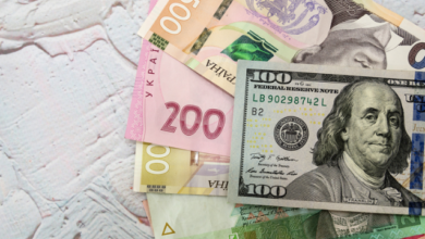 Photo of Гривня зміцнилася: курс валют на 21 жовтня