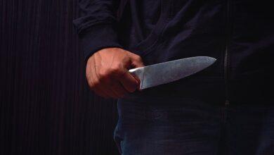 Photo of Асфальт у крові: на Житомирщині чоловік із ножем поранив дев'ятьох людей