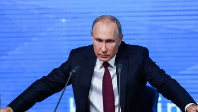 Photo of Пандемія, дешева нафта та вибрики Лукашенка: чому обвалився рейтинг Путіна