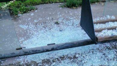 Photo of Навпроти парку Шевченка розтрощили зупинку