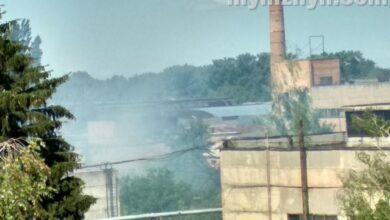 """Photo of Подробиці пожежі на заводі """"Ніжинсільмаш"""": що стало причиною займання?"""