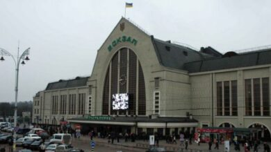 Photo of Стрілянина на залізничному вокзалі в Києві: постраждала жінка