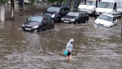 Photo of Злива перетворила Бердянськ на Венецію, без світла кілька мікрорайонів