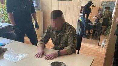 Photo of Вимагав $5 тис. за вступ: у Києві затримали заступника начальника ліцею Богуна