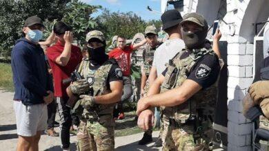 Photo of Зібралось майже 500 осіб: на Харківщині виникла сутичка біля поселення ромів