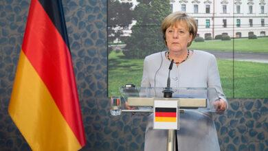 Photo of Європа змушена вести перемовини з Путіним, бо Лукашенко відмовляється – Меркель