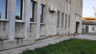 Photo of Чи справді необхідний ремонт фасаду міськвиконкому в Ніжині? Фото