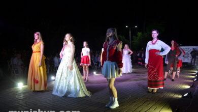 """Photo of У Ніжині відбувся показ мод """"Ми українці"""": чим дивували ніжинські дизайнери? Фото"""