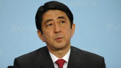 Photo of Прем'єр-міністр Японії Сіндзо Абе йде у відставку
