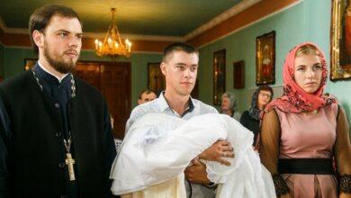 Photo of Чи можна відмовитися стати хрещеними батьками – пояснення ПЦУ