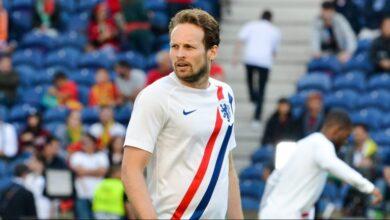 Photo of Відмовив серцевий дефібрилятор: футболіст Аякса з криком впав на газон під час гри