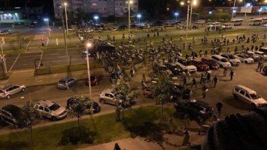 Photo of Авто з протестувальниками в Мінську в'їхало в кордон ОМОНу