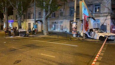 Photo of Пасажирка вилетіла у вікно: в Одесі у ДТП постраждали четверо людей