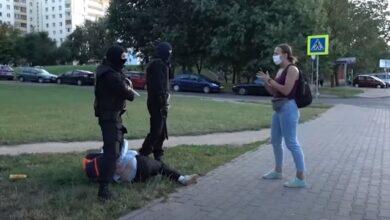 Photo of Мені 15 років! У Мінську силовики з гранатою в руках затримали підлітка