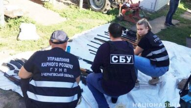 Photo of У жителя Ніжинщини виявили арсенал зброї військових зразків. Фото
