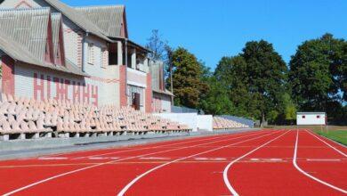 """Photo of Нові бігові доріжки на стадіоні """"Спартак"""": бігати тут можуть всі, але тільки у спортивному взутті"""