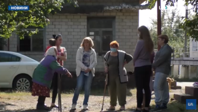Photo of У Ніжині мешканці двох будинків 4-й тиждень без світла. Відео