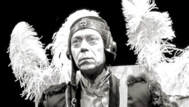 Photo of Упав на порозі театру: в Москві помер актор Микита Логінов