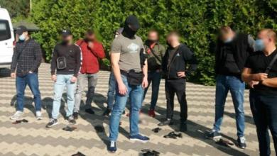 Photo of Сутички та зброя: під Одесою під час з'їзду партії поліція затримала майже 50 осіб