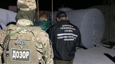 Photo of Понад 70 тис. літрів рідини: МВС зупинила незаконне виробництво пального