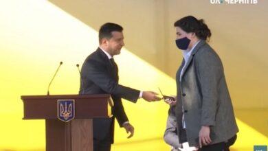 Photo of Єдина жінка – голова ОДА: Зеленський представив нову голову Чернігівської ОДА