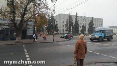 Photo of Центральна площа Ніжина: зупинку перенесуть, каштани видалять
