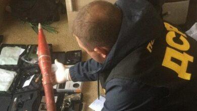 Photo of 49 пістолетів та граната від РПГ – у Кривому Розі затримали торговців зброєю