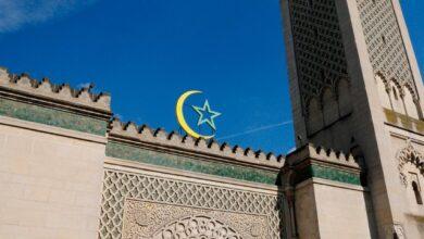 Photo of У Парижі поліція закрила мечеть через пост у Facebook