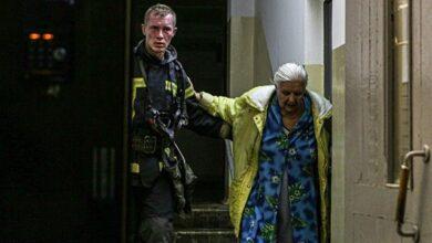 Photo of У Києві сталася пожежа в багатоповерхівці: 20 людей евакуйовано, загинув чоловік