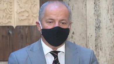 Photo of Главу МОЗ Чехії зняли в ресторані без маски, йому загрожує відставка