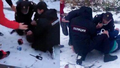 Photo of В Росії поліцейські скрутили чоловіка без маски на очах 4-річної доньки