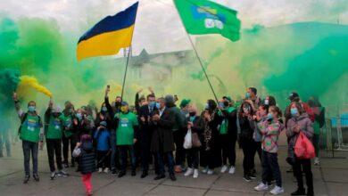 Photo of Слуги народу провели масштабний флешмоб на Борщагівці