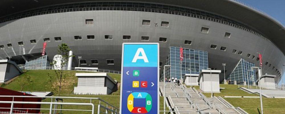 """Стадіон не протікає, а мироточить: як виглядають """"ляпи"""" арени у Росії, яка коштувала понад мільярд доларів"""