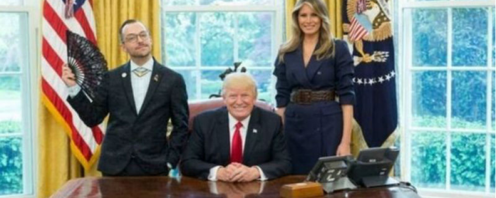 Американський вчитель зробив кумедне фото з Трампом